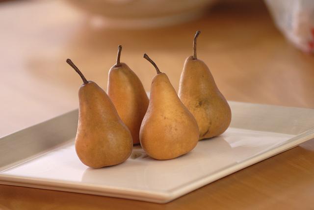 Zapečené hrušky s ořechy recept
