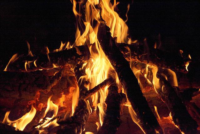 jak vybrat ohniště