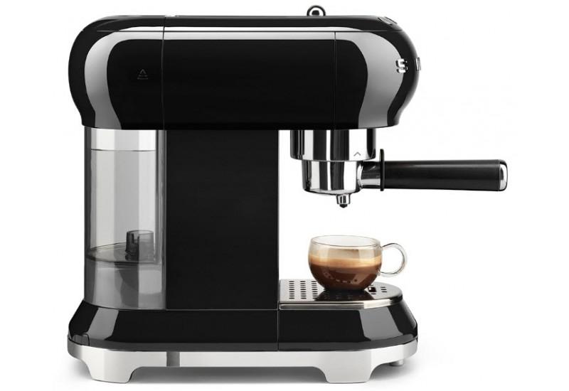 pákové kávovary Smeg