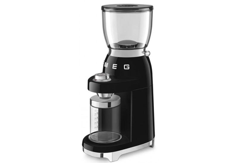 mlýnek na kávu SMEG CGF01